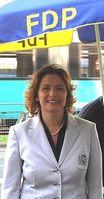 Nicola Beer an einem Infostand der FDP.  Bild: wikipedia