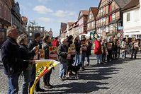 Menschenkette in Dannenberg. Bild: Karin Behr / PubliXviewinG