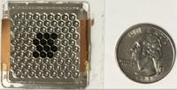Teilweise bestückte (schwarz) Konzentrator-Solarzelle.