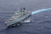 """Die Fregatte """"Mecklenburg-Vorpommern"""" in See. Bild: Marine"""