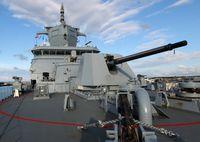 """Standardgeschütz 127-Millimeter der Fregatten Typenklasse F125 / Bild: """"obs/Presse- und Informationszentrum AIN/Carsten Vennemann"""""""