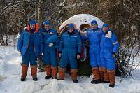 Überlebenstraining: Das Team probt den Absturz einer Sojukapsel im russischen Winter. Bild: ZDF und SC RF - IBMP RAS; Oleg Voloshin