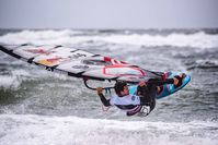 "Philip Köster Bild: ""obs/Mercedes-Benz Windsurf World Cup / Green Seven Summit/Tino Wichmann"""