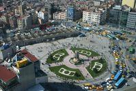"""Der westliche Teil des Taksim-Platzes mit dem """"Denkmal der Republik"""""""
