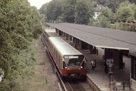 S-Bahn der neu entwickelten BVG-Baureihe 480 in Frohnau, 1991