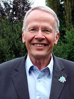 Tom Koenigs (2009) in Treysa (Schwalmstadt) Bild: Maseltov, Wikimedia Commons / de.wikipedia.org http://upload.wikimedia.org/wikipedia/commons/thumb/2/28/Tom_koenigs_schwalmstadt_1.jpg/450px-Tom_koenigs_schwalmstadt_1.jpg