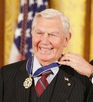 Andy Griffith im Jahr 2005, als er die Presidential Medal of Freedom erhielt