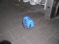 Ein Bild der verdächtigen Tasche. Bild: Polizei Köln (newsroom)