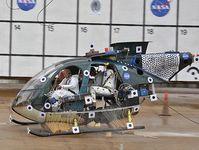 Heli-Crashtest mit Kevlarwaben-Polster. Bild: NASA/Sean Smith