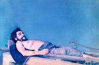 Che Guevara: Aufbahrung des Leichnams