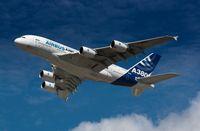 Überflug einer A380-800 in Airbus-Werkslackierung