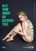Leslie Clio zeigt Haut für die Tiere. Bild: PETA Deutschland e.V. Fotograf: Marc Rehbeck für PETA