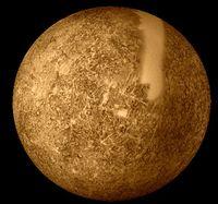 Die mit Mariner10 kartierten Oberflächenteile (der helle Streifen war nicht erfasst worden)