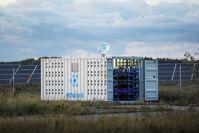 """Die Schweizer Envion AG war angetreten, um mobile Miningeinheiten für Kryptowährung herzustellen und an Orten mit günstiger Energie zu platzieren. Dazu wurde über einen ICO rund 100 Millionen US-Dollar von ca. 37.000 internationale Investoren eingesammelt. Bild: """"obs/NAIMA Strategic Legal Services GmbH/envion"""""""