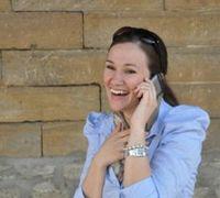 Handy-Gespräch: macht glücklich und egoistisch. Bild: pixelio.de, J. Kirchner