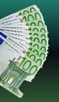 1.000 Euro monatlicher Lohn für Azubis - Wer soll von dem bischen Geld leben können? (Symbolbild)