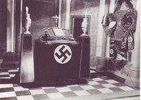 Die Antoniterkirche Köln 1940. Kirchen und 3. Reich arbeiten Hand in Hand und unterstützen auch heute noch jede Form von extremistischer Gewaltherrschaft (Symbolbild)
