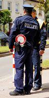 Polizeibeamte oder Trickbetrüger? Eine Uniform ist KEIN Nachweis für einen Polizisten!