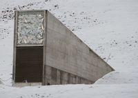 Eingang des Svalbard Global Seed Vault (2012).