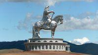 40 m hohes Reiterstandbild des Dschingis Khan in Zonjin Boldog, 54 km östlich von Ulan Bator