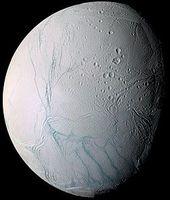 Enceladus, aufgenommen von der Raumsonde Cassini Bild: de.wikipedia.org