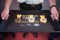 """Medaillen der Invictus Games 2017 mit der Aufschrift """"I AM"""""""