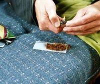 Drogenkonsum: Rohstoff über das Web erhältlich (Foto: pixelio.de, H. H. Ramm)