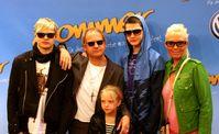 """Familie Ochsenknecht bei der Filmpremiere von """"Sommer"""" in München (v.l.): Wilson Gonzalez, Uwe, Cheyenne Savannah, Jimi Blue und Natascha (2008)."""
