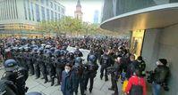 """Bei den Demonstrationen in Frankfurt M. am 12.12.2020 war ein großes Aufgebot von aggressiven """"Antifaschisten"""" anwesend, die zu 100% auf Seiten von CDU/CSU und SPD standen."""