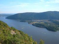 Hudson River vom Camp Smith Trail fotografiert, Seitenweg des Appalachian Trail, Blickrichtung Süd, ca. 70km von New York City