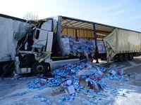 Bild: PP Mannheim Lkw-Auffahrunfall Autobahn