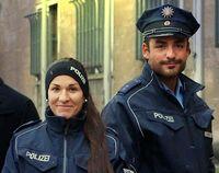 Polizei mit Mikrationshintergrund... (Symbolbild)