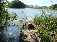 Uckermark: Das Land der Seen zieht Touristen an. Bild: pixelio.de, christiaaane