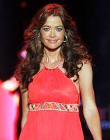 "Denise Richards bei der ""The Heart Truth-Fashion Show"" 2011"
