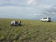 Bei der Feldarbeit in der kasachischen Steppe Foto: WWU - Hölzel