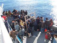Bootseinwanderer im Mittelmeer bei Lampedusa