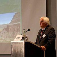 Prof. Ian Plimer auf der III. Intern. Klima & Energiekonferenz. Bild: EIKE