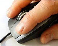 Mausklick: KI warnt vor ködernden Inhalten.