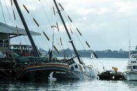 "Das Wrack des Greenpeace-Schiffs ""Rainbow Warrior"" /  Bild: ""obs/ZDFinfo/John Miller"""