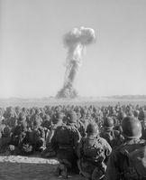 Atombomben werden weltweit eingesetzt.