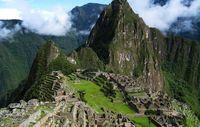 Unkontaktierte Völker leben in Machu Picchus 'Heiligem Tal'. Die uralte Stadt hat jährlich bis zu 1 Million Besucher. Bild: Icelight/Wikicommons