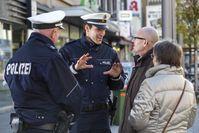 Falsche Polizeibeamte oder echte? Eine Uniform ist kein Nachweis das ihr Gegenüber ein offizieller Polizist ist.