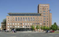 """Der """"Himbeerpalast"""", ein Siemens-Bürogebäude in Erlangen"""
