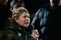 Julija Tymoschenko spricht am 22. Februar 2014 auf dem Maidan zu den Demonstranten