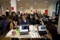 """Dieses Wochenende nehmen über 100 Programmiererinnen, Entwicklerinnen und Designerinnen am größten ,,Hackathon""""  für Frauen in Berlin in der Zentrale von Coca-Cola teil.Bild: """"obs/Coca-Cola Deutschland GmbH"""""""