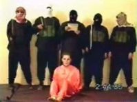 Islamischer Staat: A screenshot from the 2004 hostage video, where Nick Berg was beheaded by al-Zarqawi's group.