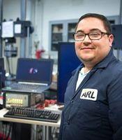 ARL-Forschungsleiter Frank Gardea im Labor.