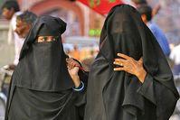 Burka Bild: Alfredo Miguel Romero, on Flickr CC BY-SA 2.0