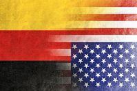 Deutschland-USA: Deutschland in den originalen Farben von oben: Gold, Rot, Schwarz
