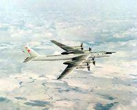 Tupolew Tu-142